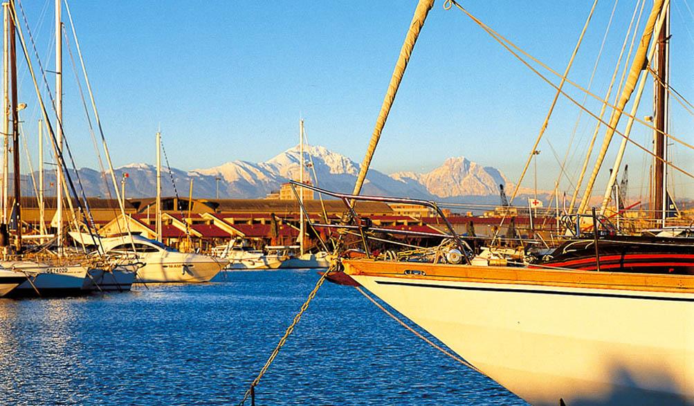 Marina di pescara porto turistico for Mercatino dell usato pescara